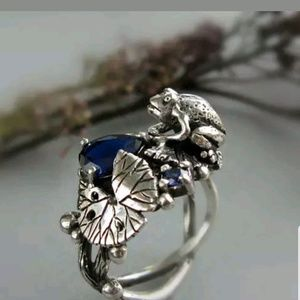 Jewelry - New Silver Sapphire Frog Ring Size 10